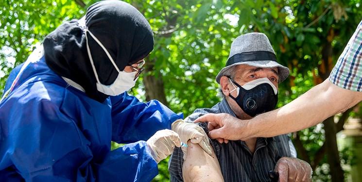 آغاز واکسیناسیون افراد ۷۰ سال به بالا /توضیح وزارت بهداشت در باره پخش یک ویدئو