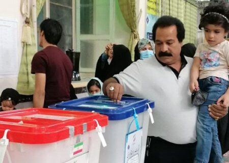 بازشماری صندوقها در حضور خبرنگاران و نامزدها انجام شود