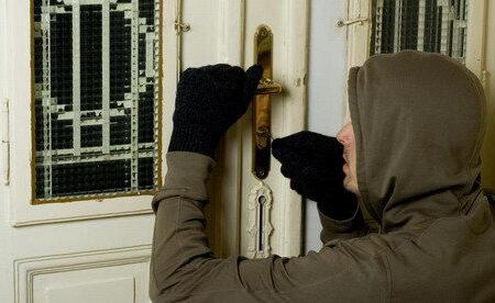 ۸ راه محافظت از خانه هنگام تعطیلات