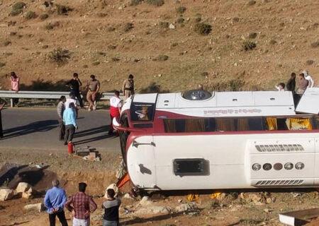 دلیل وقوع تصادفات ضعف مدیریت و نظارت است/ مسئولان بهانه تحریمها را برای نوسازی ناوگان جادهای نداشته باشند