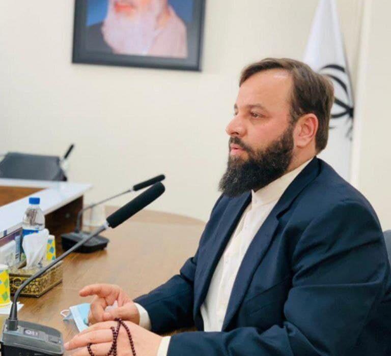تقدیر رییس ستاد مرکزی انتخاباتی مردمی آیت الله رئیسی در مسجدسلیمان از عضو شورای سیاستگزاری ستاد مرکزی انتخاباتی آیت الله رئیسی درکشور