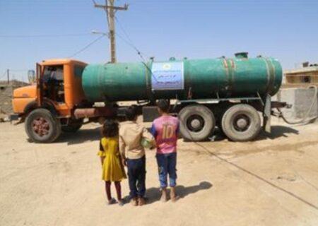 توزیع آب شرب در بخش مرکزی و منصوره شادگان توسط شرکت نفت و گاز کارون