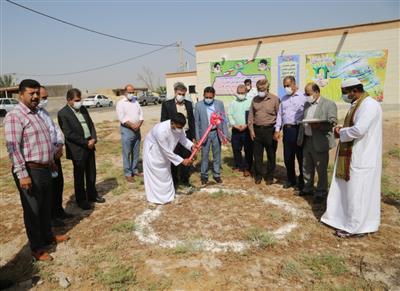 برگزاری مراسم کلنگ زنی ساخت خانه بهداشت روستای حنیطیه توسط شرکت نفت و گاز کارون