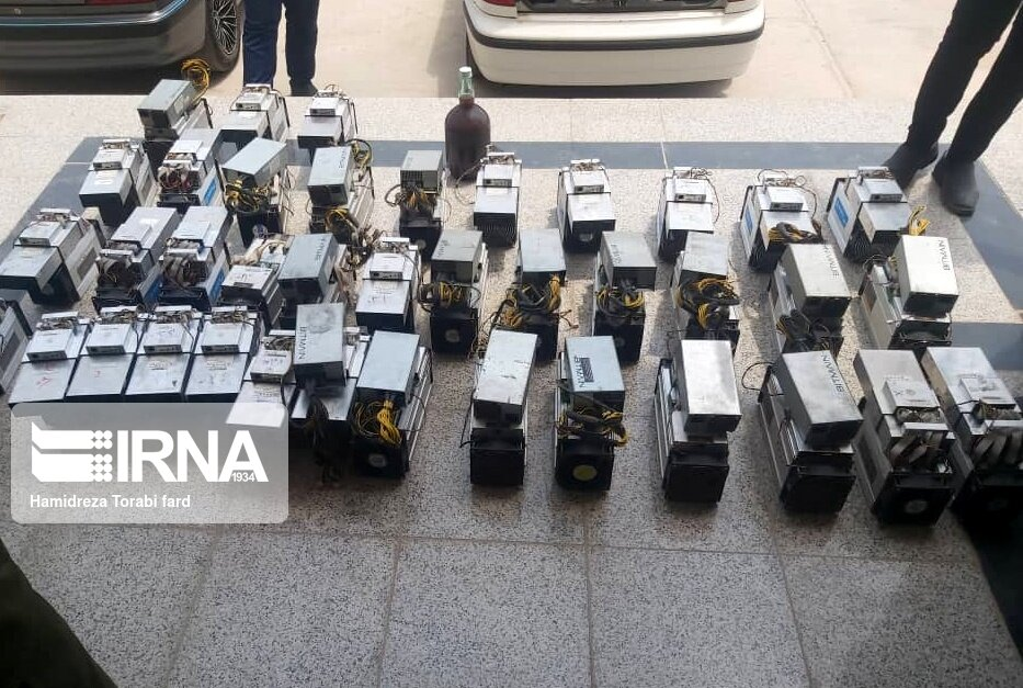 ۶۱ دستگاه استخراج ارز دیجیتال در اهواز کشف شد