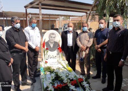 خبرنگاران مسجدسلیمانی روز خبرنگار را در کنار خانه ابدی همکار فقیدشان گرامی داشتند