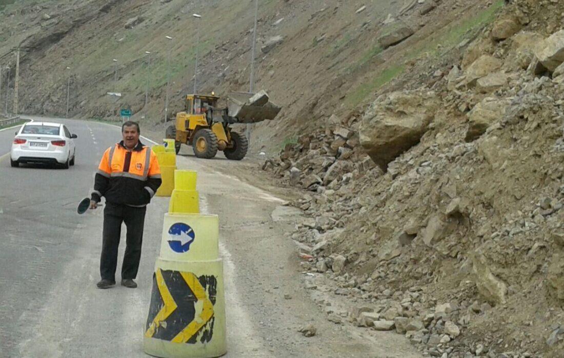 هیچ محوری در خوزستان بر اثر زلزله مسدود نیست