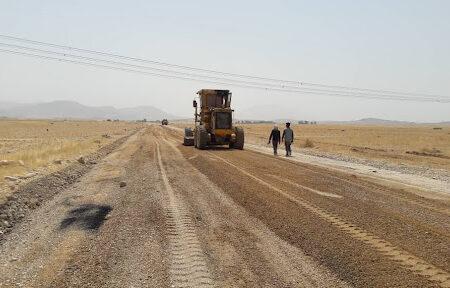 عملیات اجرایی بهسازی و بازسازی بخشی دیگر از جاده تمبی چم فراخ آغاز شد